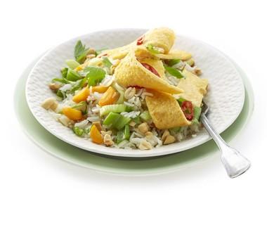 Rijstschotel met omelet