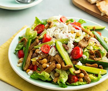Shoarma-pitabrood salade met knoflooksaus