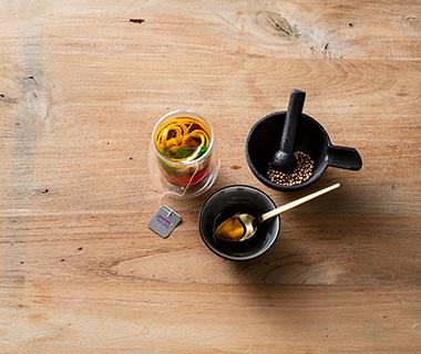 Koriander en sinaasappel thee