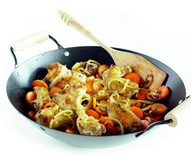 Roerbakschotel met winterwortel en kip