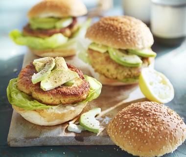 Garnalenburger met avocado en aioli