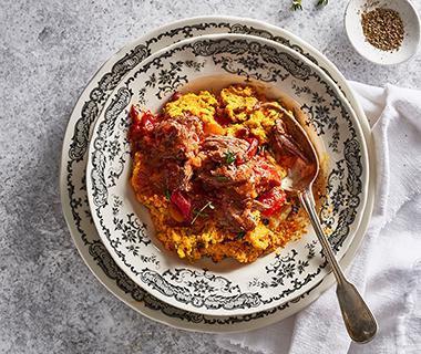 Spaanse stoof met chorizo en wortel-dillepuree