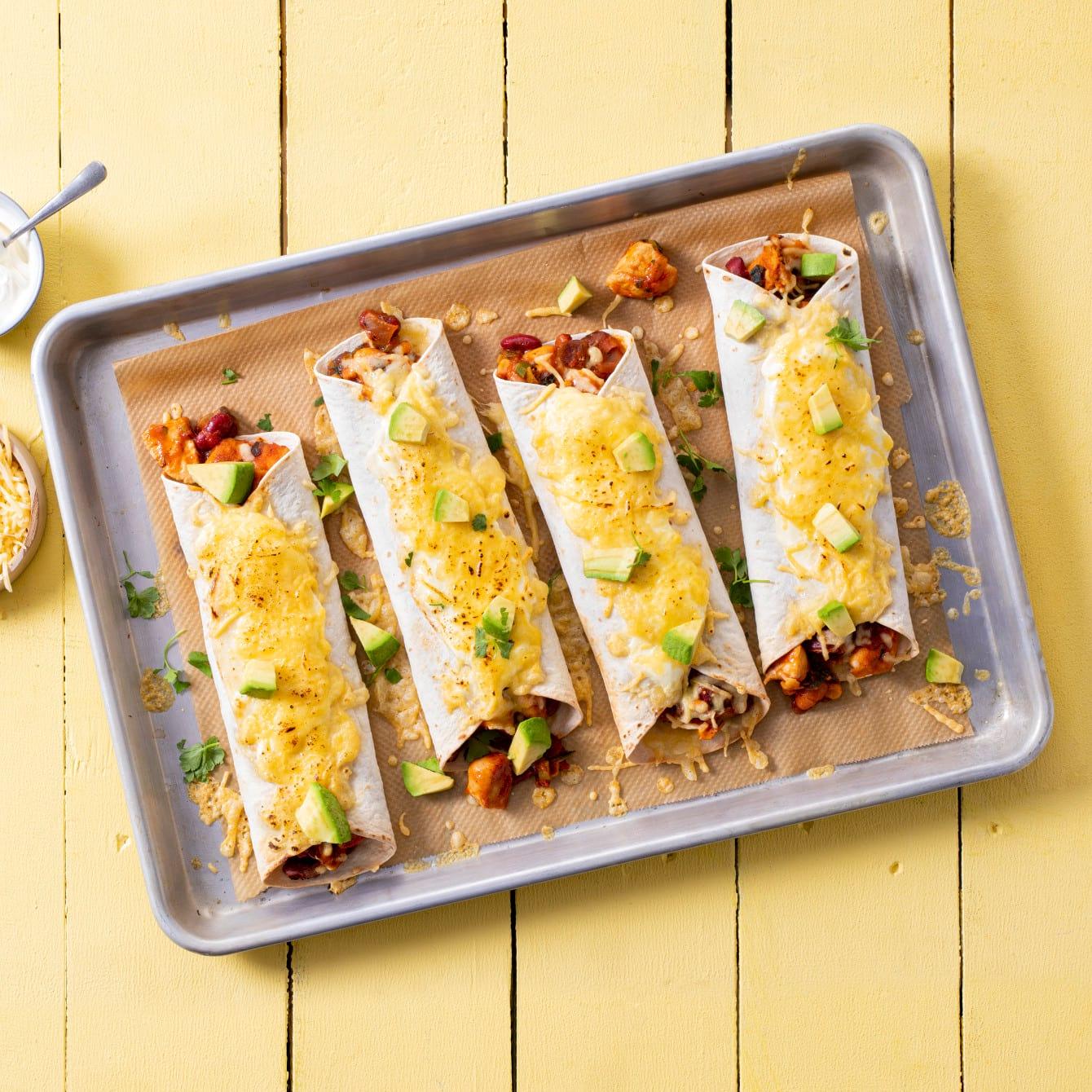 Gegratineerde burrito's uit de oven