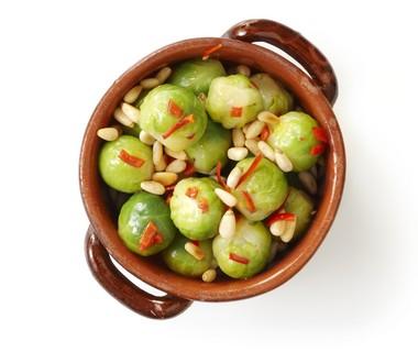 Pittige spruitjes met geroosterde pijnboompitten