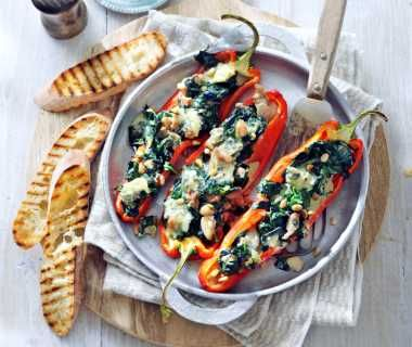 Gevulde puntpaprika met kip en gorgonzola