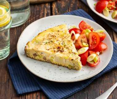 Frittata met shoarma en een tomatensalade