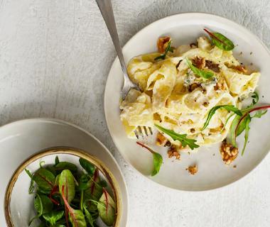 Pappardelle met bloemkoolsaus, gorgonzola en walnoten
