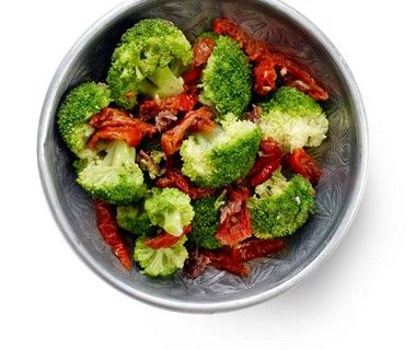 Broccoli met ansjovis en tomaat