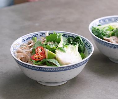 Vietnamese noedels met runderreepjes en paksoi