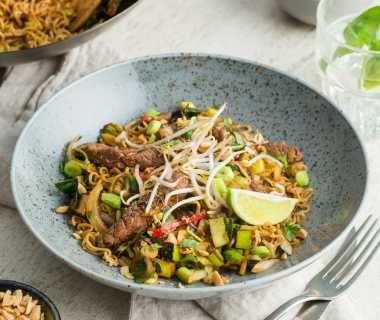 Thaise wokschotel met pittige biefstukreepjes