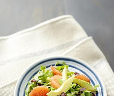 Salade met avocado en rode grapefruit