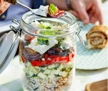 Mediterrane rijstsalade met feta