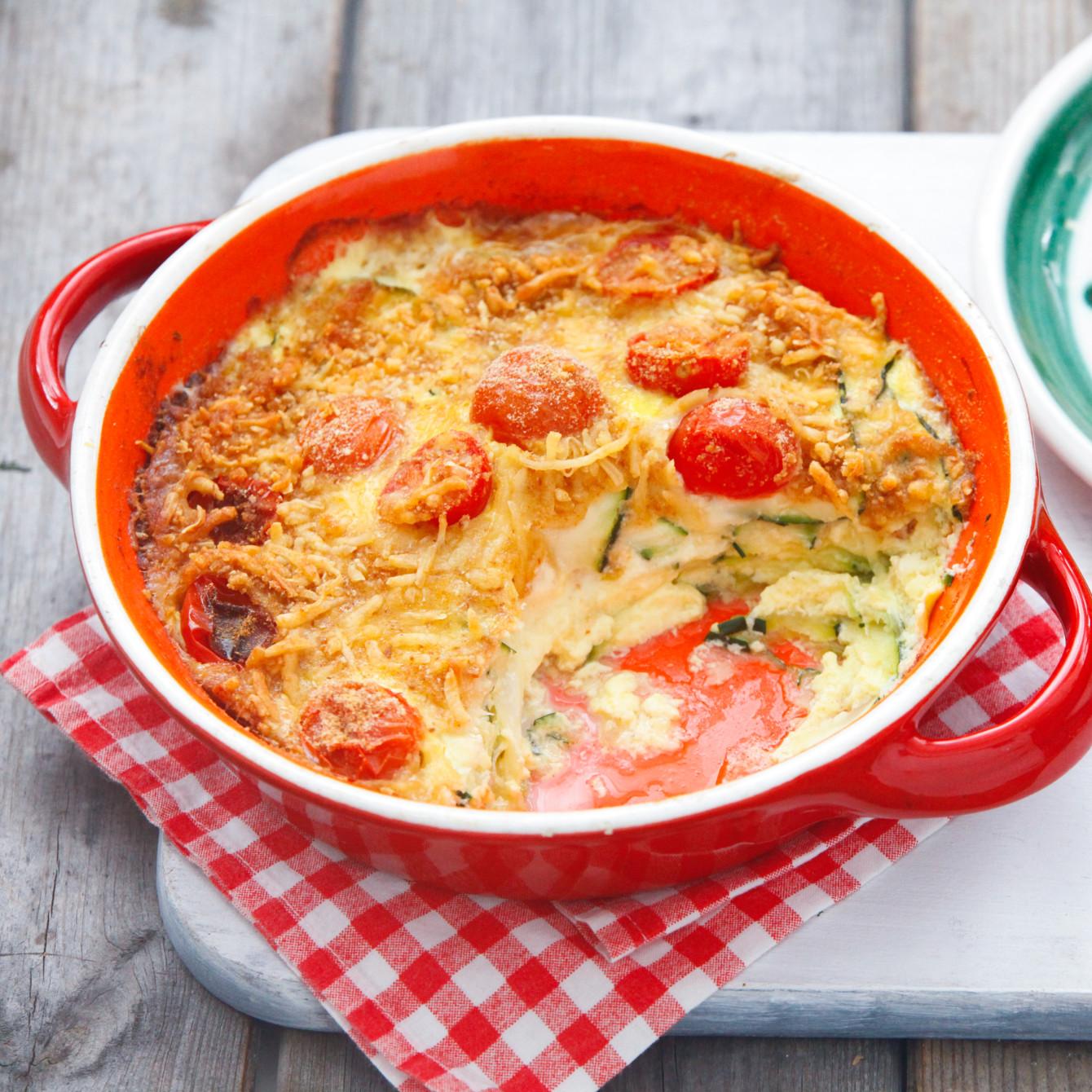 Courgette-tomatengratin met macaroni