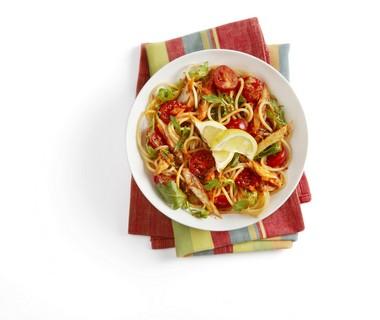 Spaghetti met tomaatjes en makreel