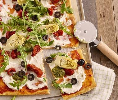Vegetarische pizza met Jan Pizzadeeg