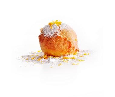 Oliebollen met sinaasappel en gestampte muisjes