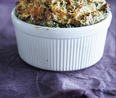 Soufflé van boerenkoolstamppot en oude kaas