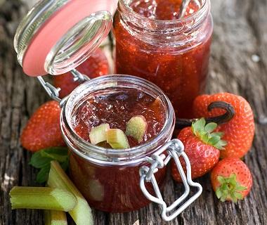Rabarber en aardbeien compote