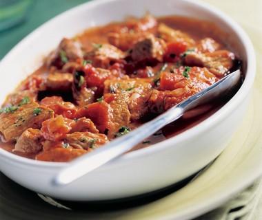 Gemarineerde hamlappen met provencaalse tomatensaus