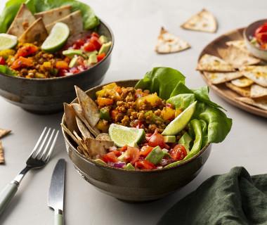 Kleurrijke vegan buritto bowls