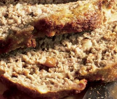 Toscaans gehaktbrood met basilicumsaus