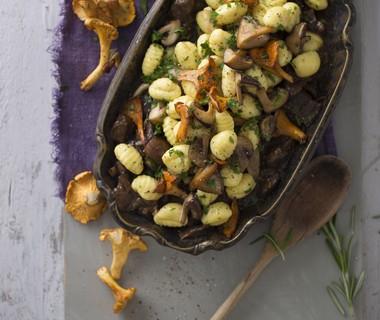Gnocchi met stoofvlees en paddenstoelen