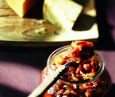 Chilichutney voor bij vlees en kaas