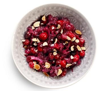 Rodekool met cranberry's en amandel