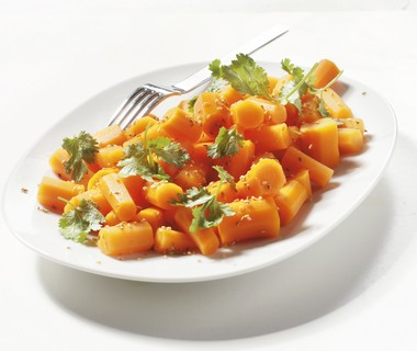 Roergebakken wortel met gember en sesam