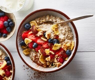Overnight oats met dadels en walnoten