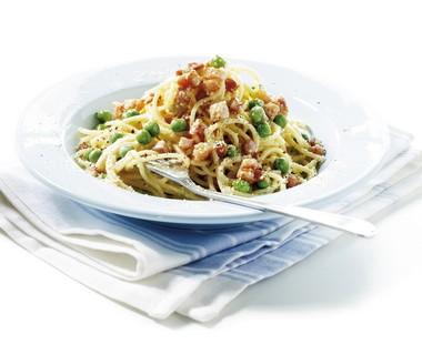 Spaghetti carbonara met doperwten