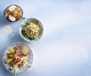 Citroengrasprikkers met kip en koriander