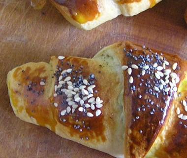 Hartige croissants met serranoham van Titia Poortenga