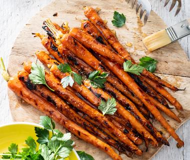 Gegrilde BBQ wortels