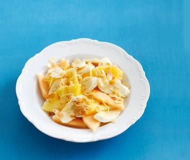 Gele fruitsalade met gember