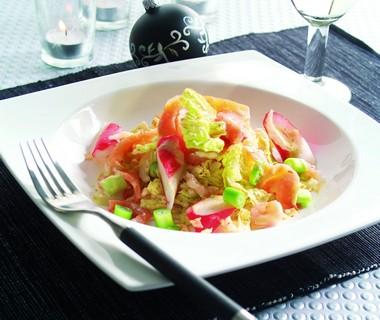 Chinese koolsalade met zalm en garnalen