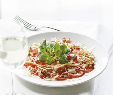 Tomatencarpaccio met selderij en kaas