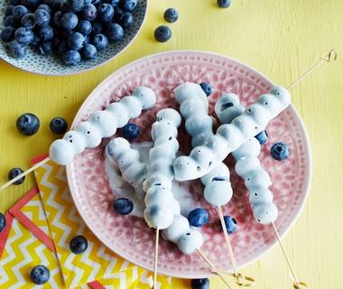 Frozen yoghurt-bessenspiesjes