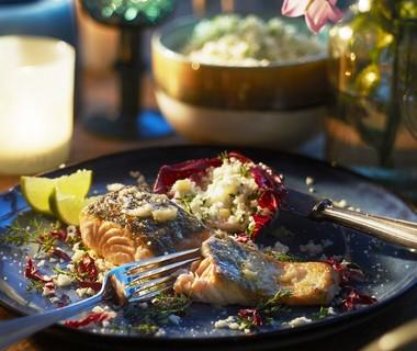Zalm met bloemkoolcouscous en gepofte knoflook