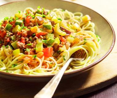 Spaghetti met gehakt-groentesaus