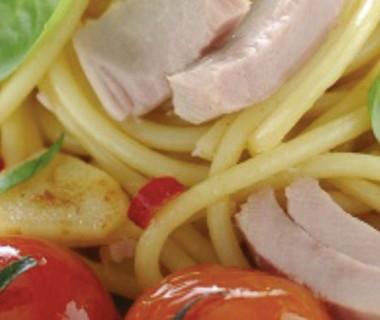Tonijn pasta met kerstomaatjes