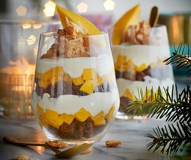 Chocolade-kwarktrifle met mango