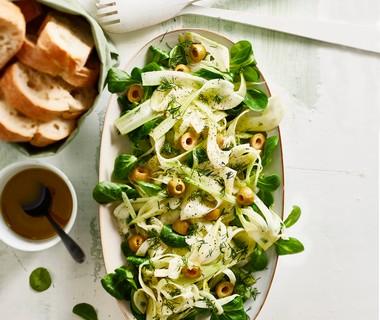 Venkelsalade met groene olijven