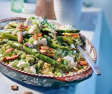 Couscous met broccoli, geroosterde asperges en geitenkaas