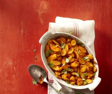 Geroosterde winterwortel met gember en ketjap