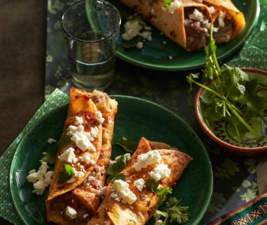 Enchiladas met bruine bonen
