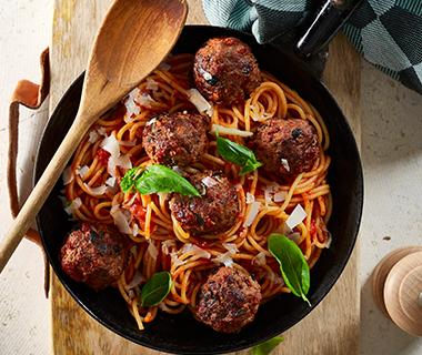 Gehaktballetjes met tomaat en olijven