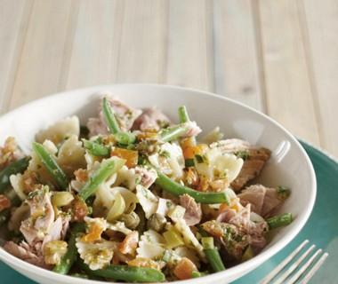Italiaanse tonijnsalade met tomatendressing