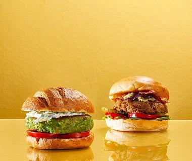 Lenteburger met tzatziki