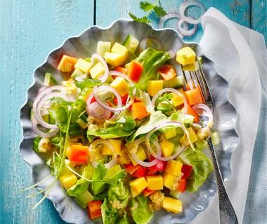 Mango-avocadosalade met mangodressing